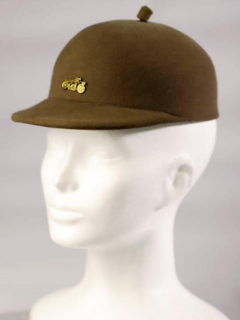 <p>Dámský plstěný sportovní klobouk, před polovinou 20. století.</p>