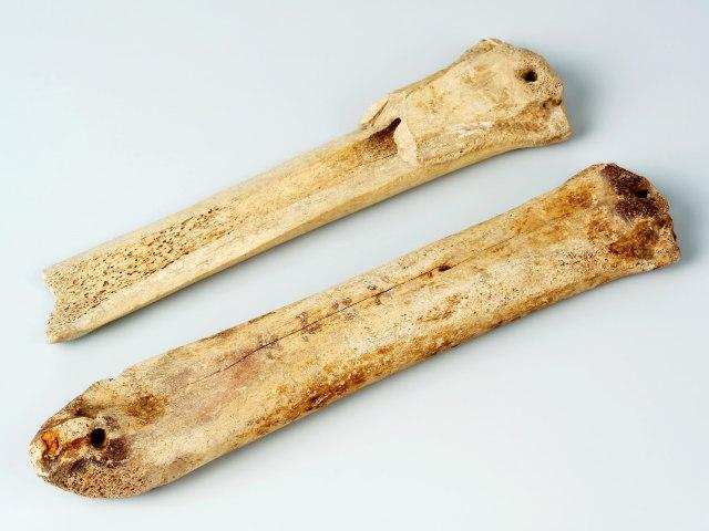 Nástroje a zbraně Středověk 4