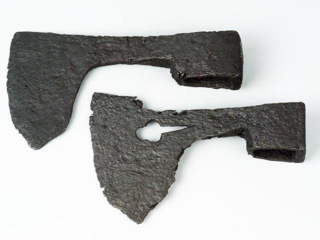 Nástroje a zbraně Středověk 6